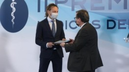 531 – EN PORTADA:  El doctor Marco Romagnoli, recientemente galardonado con el premio médico del año en cirugía capilar, nos visita para resolvernos las principales dudas sobre esta especialidad