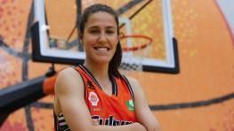 """460 – Volvemos con un nuevo capítulo de """"Cámara Fija"""" en el que nuestro objetivo enfoca a la ex capitana del Valencia Basket, Leles Muñoz."""