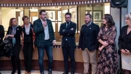 """476 – Asistimos a la inauguración de la colección de arte solidario """"REFUGEES"""", creada por el gran equipo de artistas de Paco Seoane"""